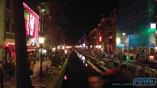 Bild des Amsterdamer Stadtzentrum bei Nacht